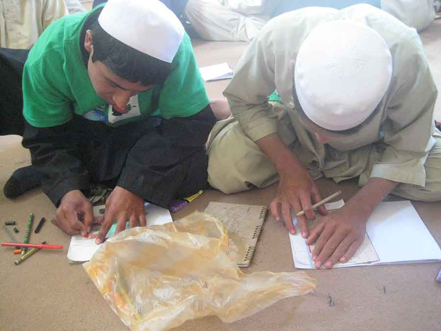 Afghan teens drawing