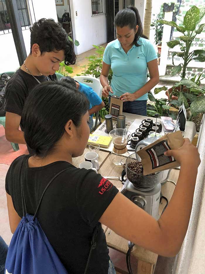 Guatemalans learning art of coffee making