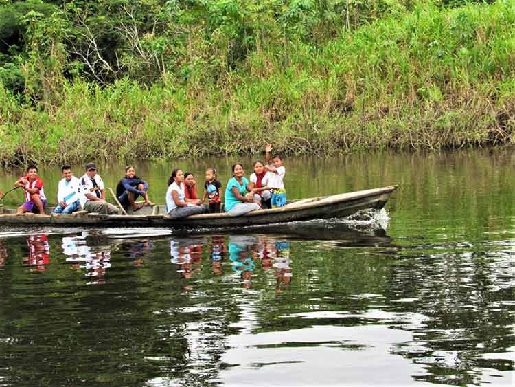 Students in canoe