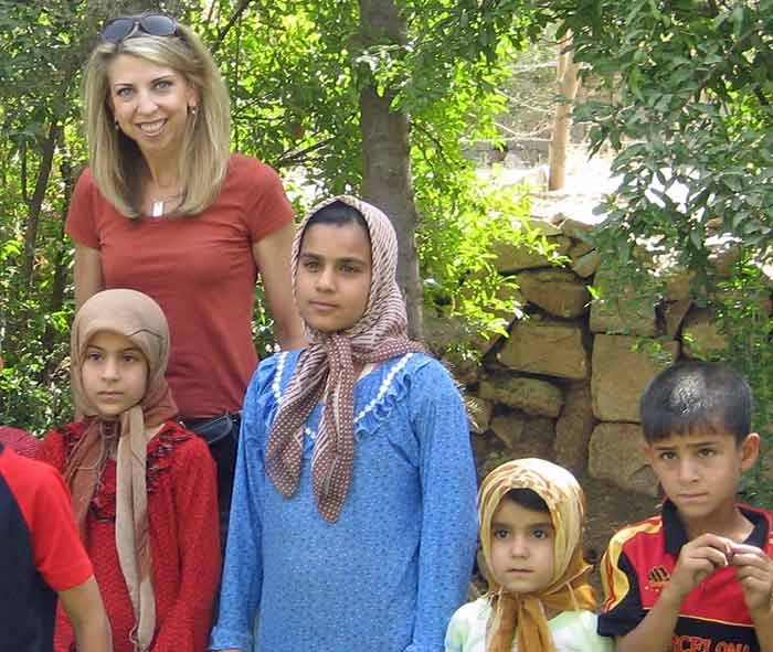 Dina with Iraqi kids