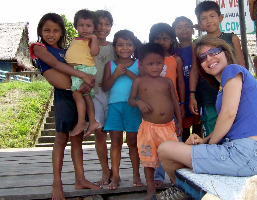 Group of kids in Peru
