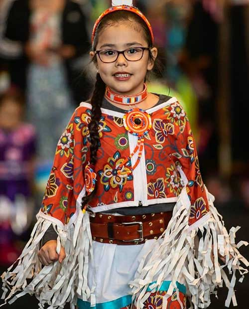 Native American girl with cultural dress