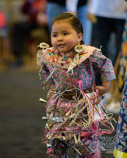 Native child at pow wow