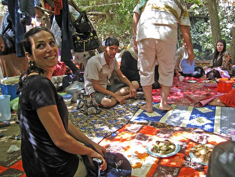 Iraqi family having picnic