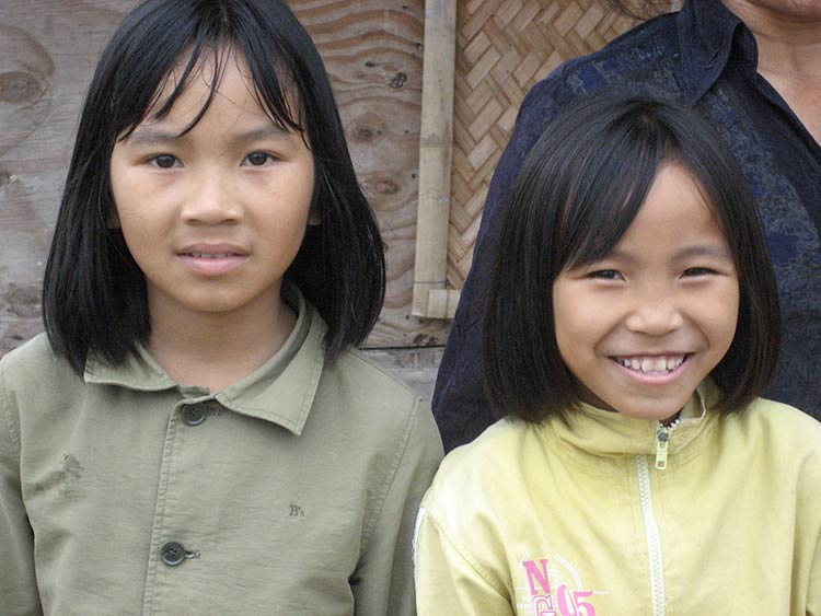 Vietnamese sisters
